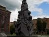 Памятник жертвам землетрясения у Церкви всех спасённых