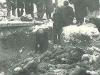 Двор городской тюрьмы. Фашисты расстреляли заключенных перед отступлением.