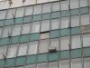 Выбиты стеклянные панели на здании на Ворошиловском и Пушкинской
